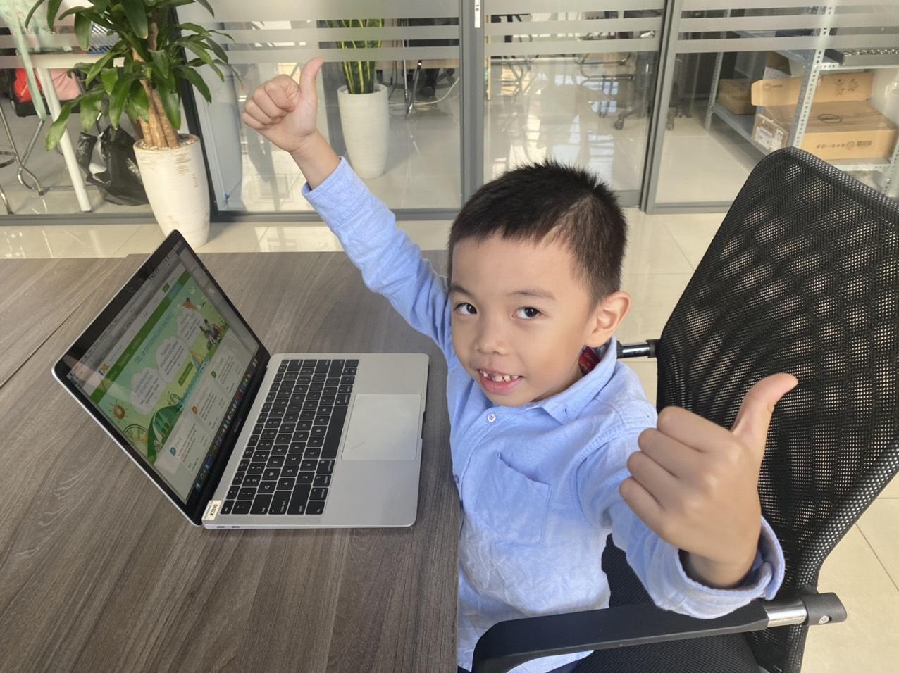 Bí quyết giúp trẻ tập trung khi tham gia lớp học online