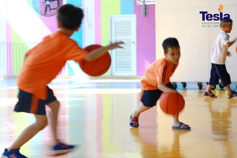Basketball lesson at Tesla – Be Joyful! Be Healthy!